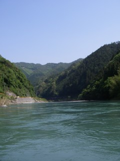 錦川の青空