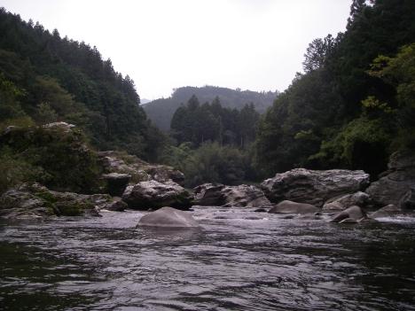水没する渓谷