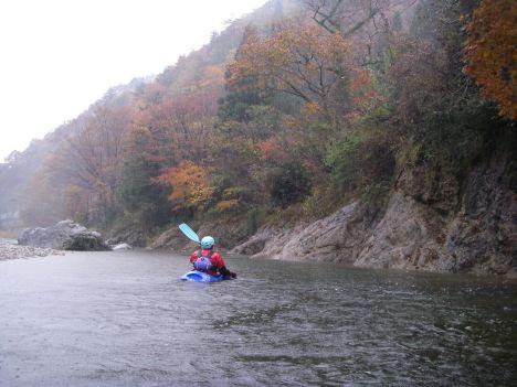 紅葉の川下り