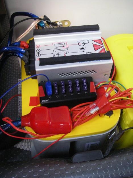 サブバッテリに接続