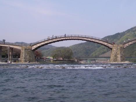 浅い錦帯橋下