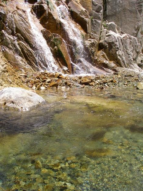 滝と清流と