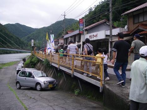 錦帯橋の板運び