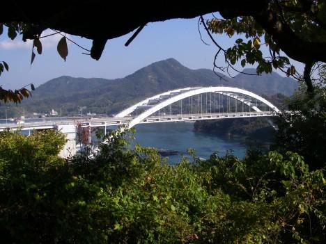 あずまやから大三島橋