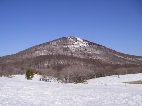 岩樋山を眺める