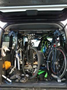 自転車3台+3人をホビオに