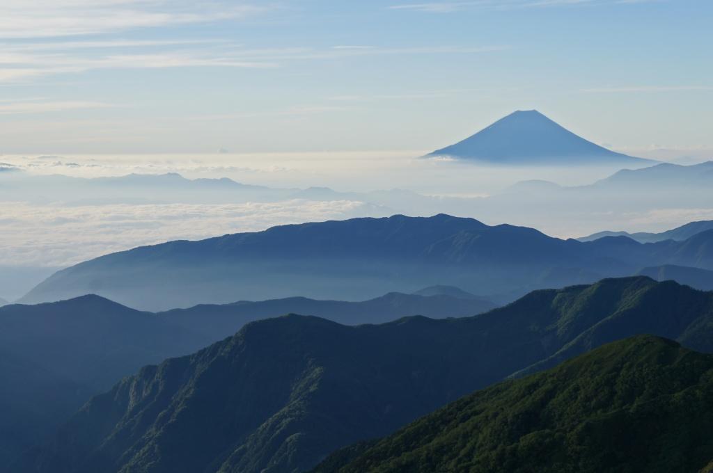振り向いて富士山