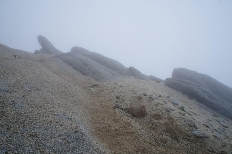甲斐駒ヶ岳山頂付近
