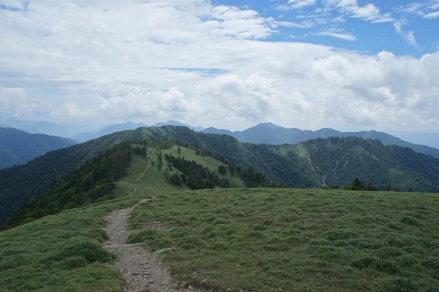 一ノ森への道